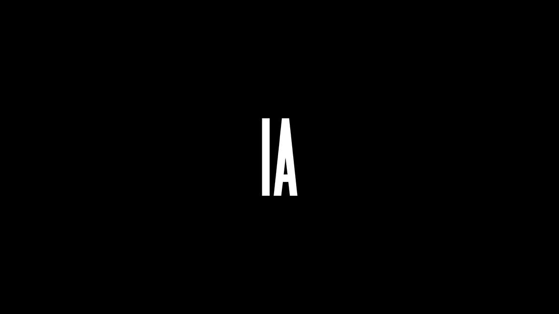 IA & ONE 2020 DJ タペストリー